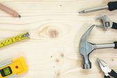 инструменты на фоне деревянные — Стоковое фото