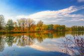 Autumn landscape on the lake. — Stock Photo