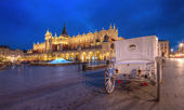 The Main Market Square in the evening Krakow, Poland. — Stockfoto