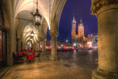 Krakow Cloth Hall at night — Stockfoto