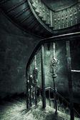 Alte treppe-retro-stil — Stockfoto