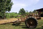 Tajska kraju ciągnika w dziedzinie ryżu — Zdjęcie stockowe