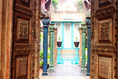 Traditional door in hotel Thailand — Stock Photo