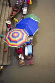 Woman selling foods on a floating market in Thailand - Ampawa Floating Market, neer Bangkok — Stock Photo