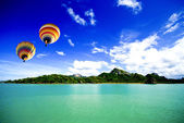 Hot air balloon on the sea Samui Thailand — Stock Photo