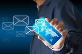 Business hand hålla beröring skärm rörlig telefonerna och knapparna e- — Stockfoto