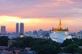Ciudad de bangkok en el crepúsculo — Foto de Stock