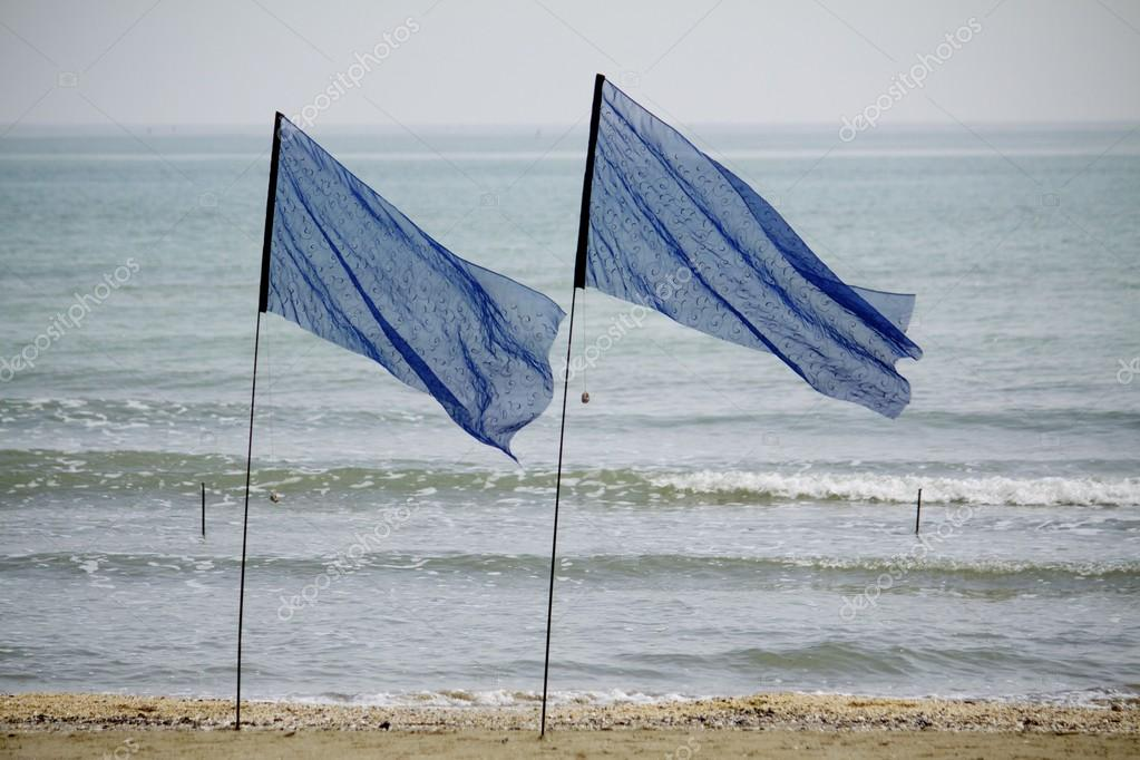 Flags to the seaside — Stock Photo #12907598