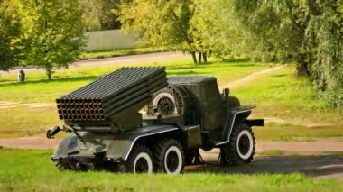 Sistema de lançamento múltiplo de foguetes grad, timelapse — Vídeo Stock
