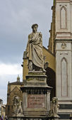 Statue of dante in florence, italy — Stock Photo