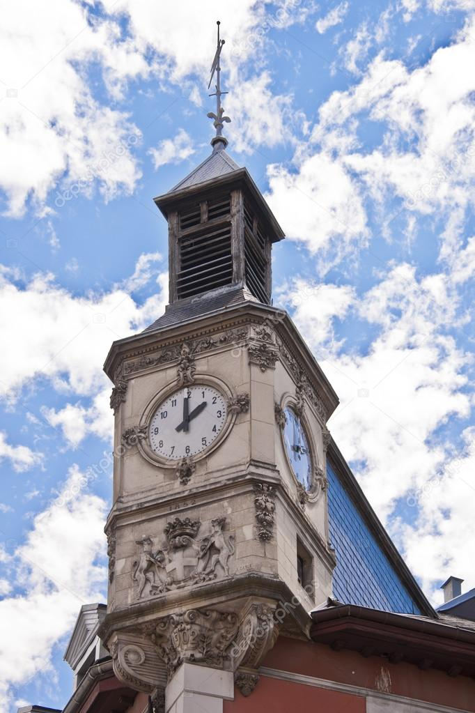 Clock tower in Place Saint Leger in the centre of Chambery — Stock Photo #13261966