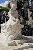 Statue in the Recoleta Cemetery — Stock Photo