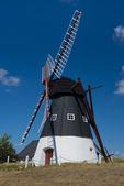 Molino de viento en mando — Foto de Stock