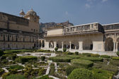 Gardens in Amber Fort near Jaipur — Stock Photo