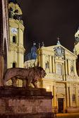 Theatijnen kerk in münchen — Stockfoto