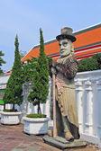 ワット ・ プラチェートゥポンウィモンマンカラーラーム タイ バンコクでの中国の巨大な像 — ストック写真