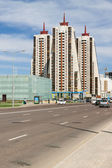 Astana, Kazakhstan - 5 may 2014: View of the apartment building on Avenue Baurjan Momyshuly — Stockfoto