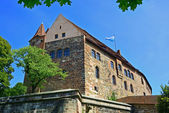 Building of Nuremberg castle with wall — Stock Photo