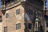 Nassauer house of Nuremberg with sundial — Stock Photo