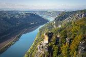 Weergave vanuit oogpunt van bastei in Saksisch Zwitserland Duitsland aan th — Stockfoto