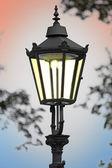 Чугунный уличный фонарь — Стоковое фото
