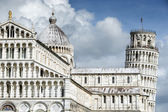 Cathedral Santa Maria Assunta and Leaning Tower of Pisa — Stock Photo