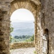Archway in San Quirico — Stock Photo