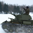 Tank T-70 while driving in the snow. — Stockfoto