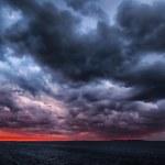 Storm on an ocean sunset — Stock Photo #28287969