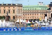 Stockholm - ağustos, 24: başlamadan önce yüzme alanı i̇tü dünya triatlon series durumda 24 ağustos 2013 başlatmak stockholm, i̇sveç — Stok fotoğraf