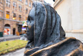 Detail of statue depicting the actress Margaretha Krook (1925-2001), by Marie-Louise Ekman, outside the Royal theater Dramaten. — Stock Photo