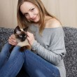 Young woman with cat — Stock fotografie