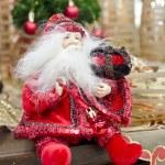 impresionante decoración de Navidad y año nuevo con Rojo s santa claus — Foto de Stock