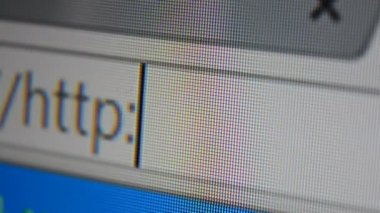Http www address bar. Close up of mouse cursor typing in web browser address bar — Vidéo
