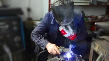Industrial worker welding, — Stock Video