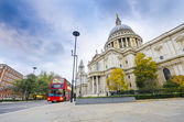 Saint Paul's Cathedral in London, England — Stock Photo