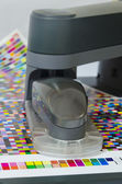 Spectrophotometer robot measures color patches on Test Arch — Stock Photo