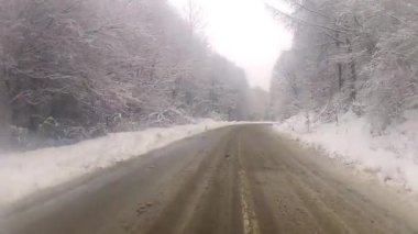Driving In The Snow — Vidéo