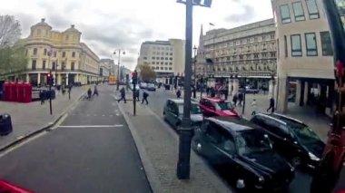 Double decker bus in London — Stock Video
