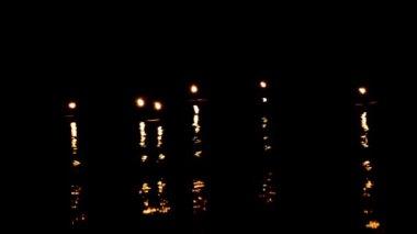свет свечи двигаться и волны — Стоковое видео
