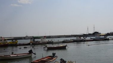 Fishing boats in harbor — Stock Video