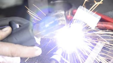 Welding with sparks — Stock Video
