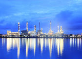 Refinery plant area at twilight — Stock Photo