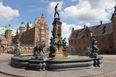 Fountain on Frederiksborg castle — Stock Photo