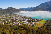 View of St. Gilgen, Wolfgangsee and mountains — Stock Photo