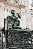 Angel on the fence of Bergamo cathedral — Stock Photo