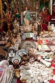 Flea market El Rastro in Madrid — Stock Photo