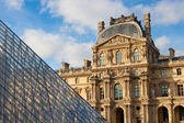 Musee du Louvre — Стоковое фото