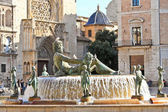 Turia Fountain on Plaza de la Virgen in Valencia, Spain — Stock Photo