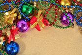 Vielfarbige weihnachtsschmuck — Stockfoto